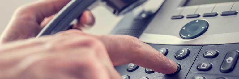 reservation-par-telephone-facile-claire-simple-rapide-avec-allo-les-ambulances-78-95-93-92-75